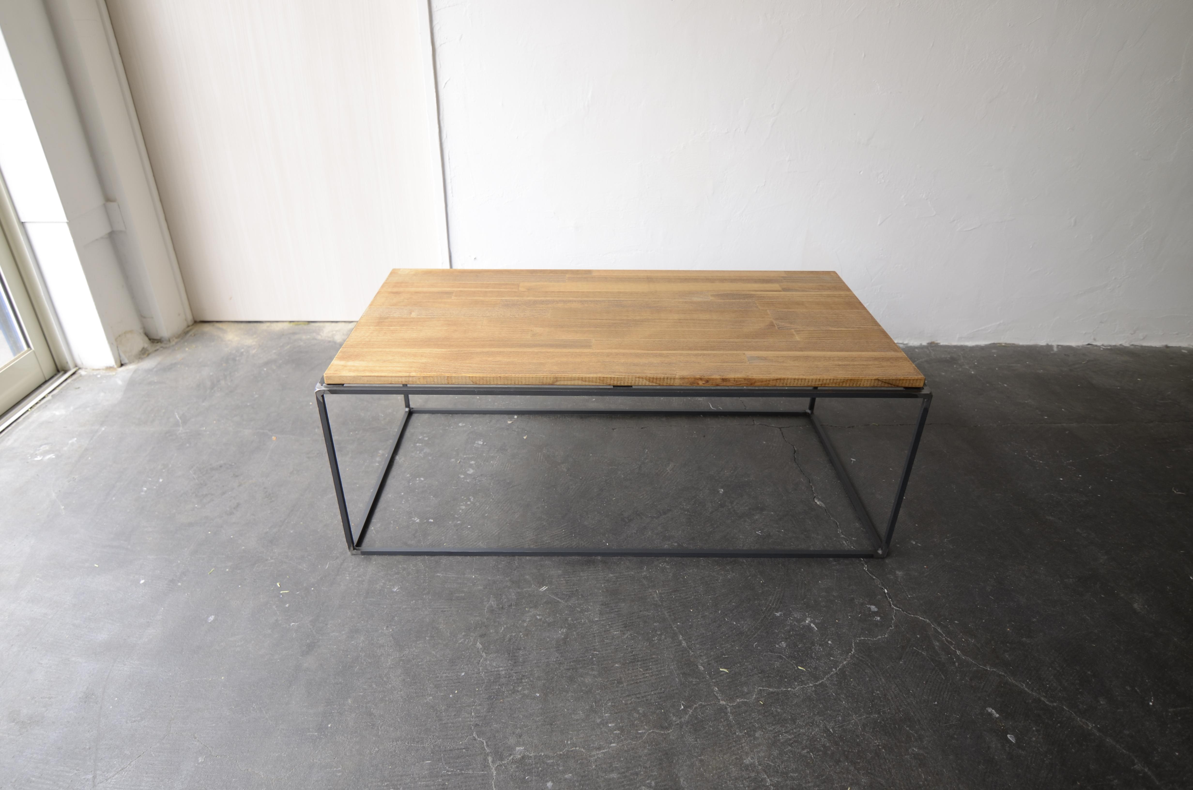 写真:PINE LOW TABLE – square bar type / パインローテーブル – スクエアバータイプ