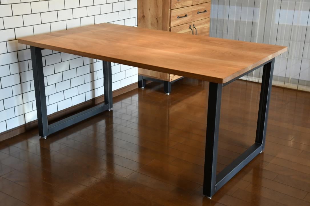 写真:OAK DINING TABLE – square frame type / オークダイニングテーブル – スクエアフレームタイプ