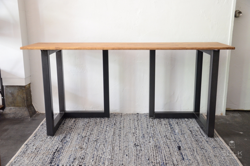 写真:STEEL TABLE PARTS – double rectangle frame