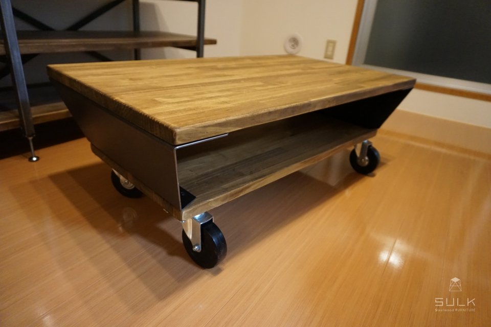 写真:CASTER TABLE – 2frame