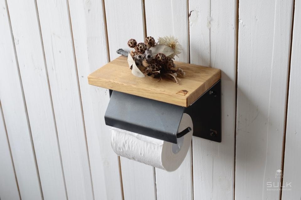 写真:OAK TOILET PAPER HOLDER with lid – single