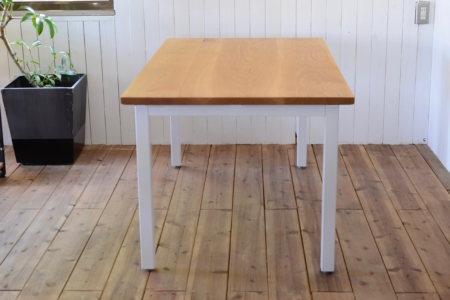 写真:OAK DINING TABLE – Portal frame
