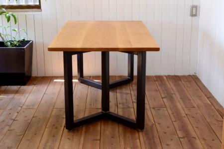 写真:OAK DINING TABLE – Double rectangle frame