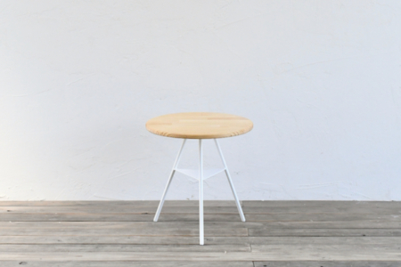 写真:Tripod table – woodtop Low