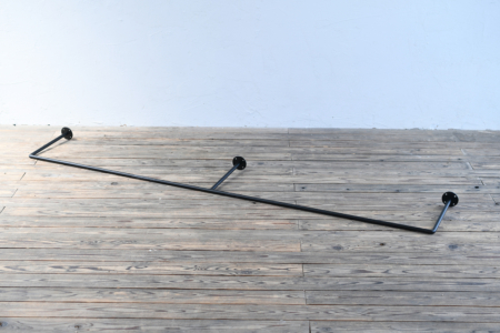写真:φ16アイアンバー 高さ300mm幅2000mmまで