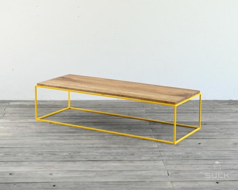 写真:W1200 TETRAGON TABLE – PINE