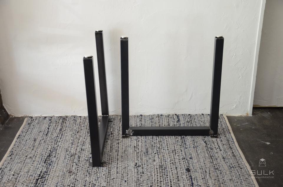 写真:STEEL TABLE PARTS – Ushaped frame