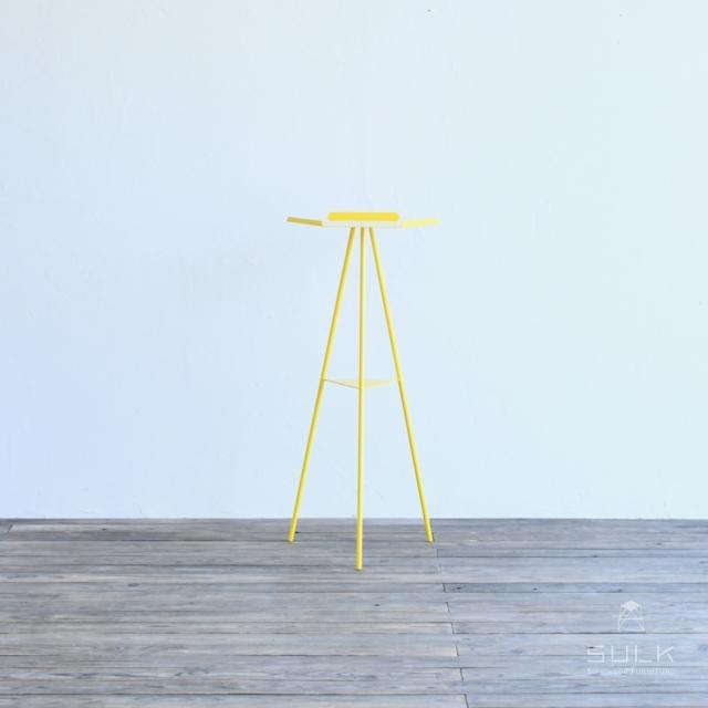 写真:Tripod table – Steeltop High