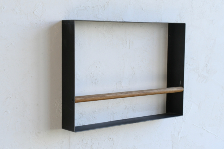 写真:WALL MAGAZINE RACK – STEEL FRAME