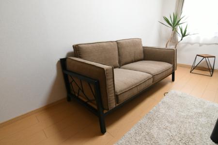 写真:大阪府堺市 Y様邸 SULKSOFA – spider web # 1( fabric seat / 2seater )