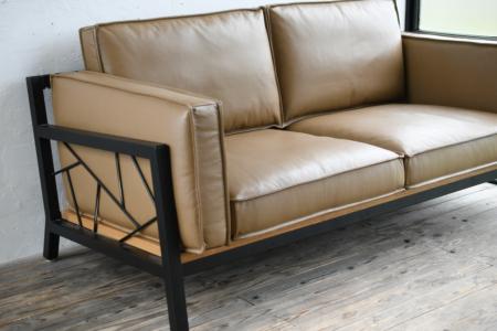 写真:SULKSOFA – spider web # 1( Leather seat / 3seater )