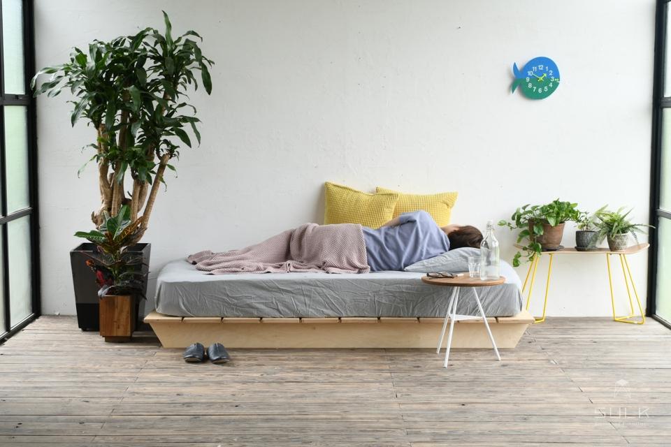 写真:RAFT BED – wide double(ヘッドレスト無し)