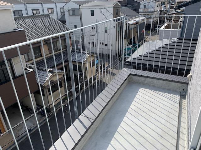 写真:大阪府大阪市 HUS DESIGN株式会社様 設計・施工 N様邸ベランダ柵