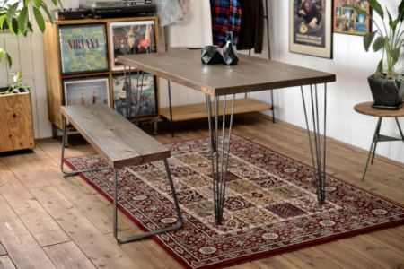 写真:GL DINING TABLE – Bony leg