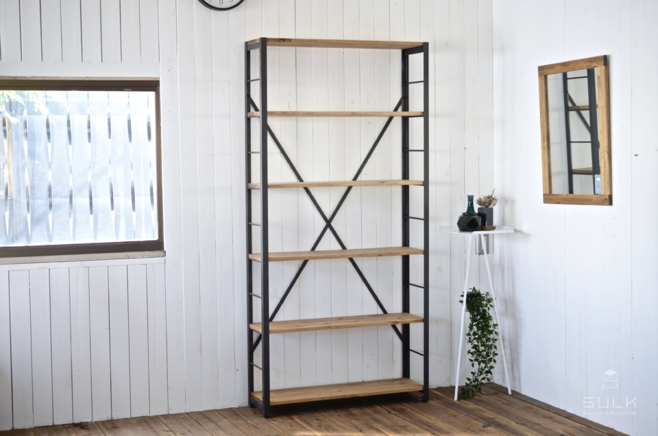 写真:ANGLE RACK – OAK 6shelves