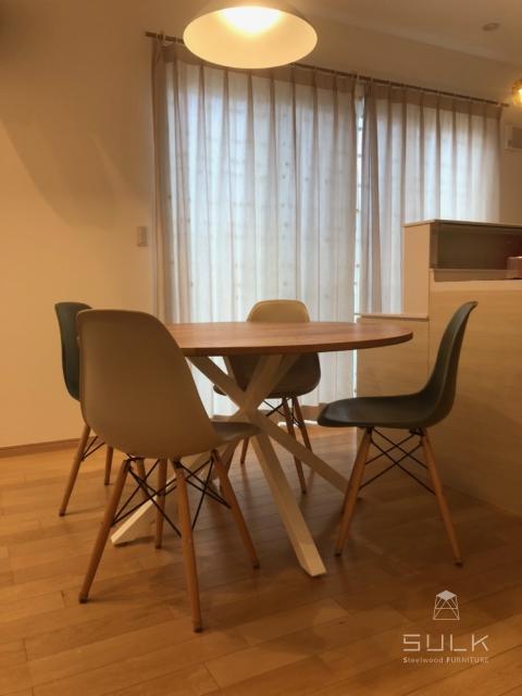 写真:大分県 大分市 N様邸 ROUND TABLE – asterisk frame
