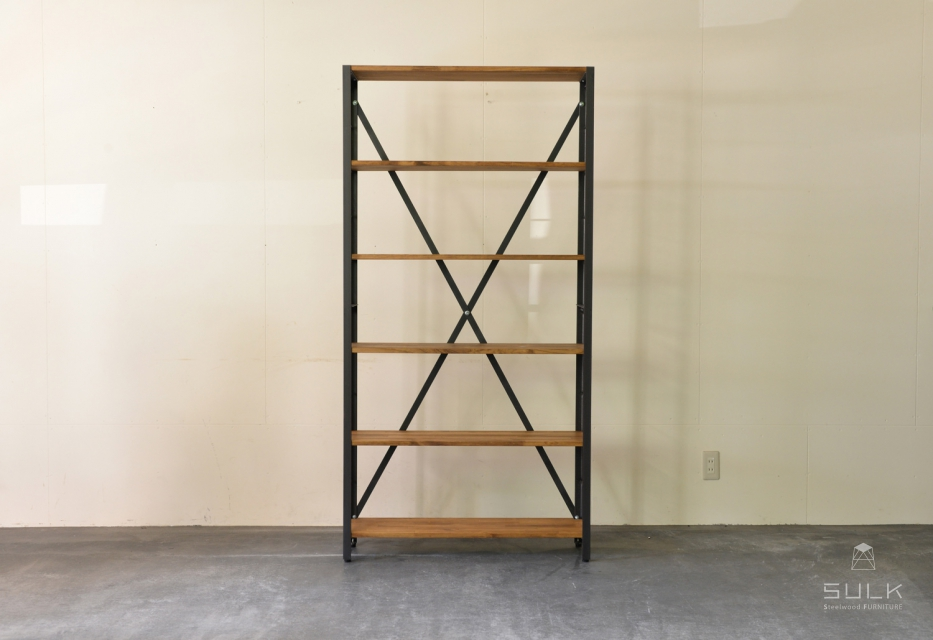 写真:ANGLE RACK – PINE 6shelves